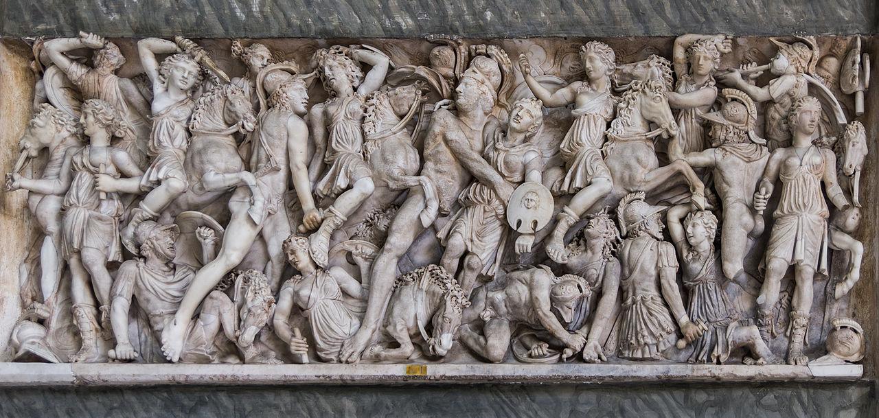 Битва греков и амазонок. Мраморный саркофаг в музее Пио-Клементино в Ватикане.