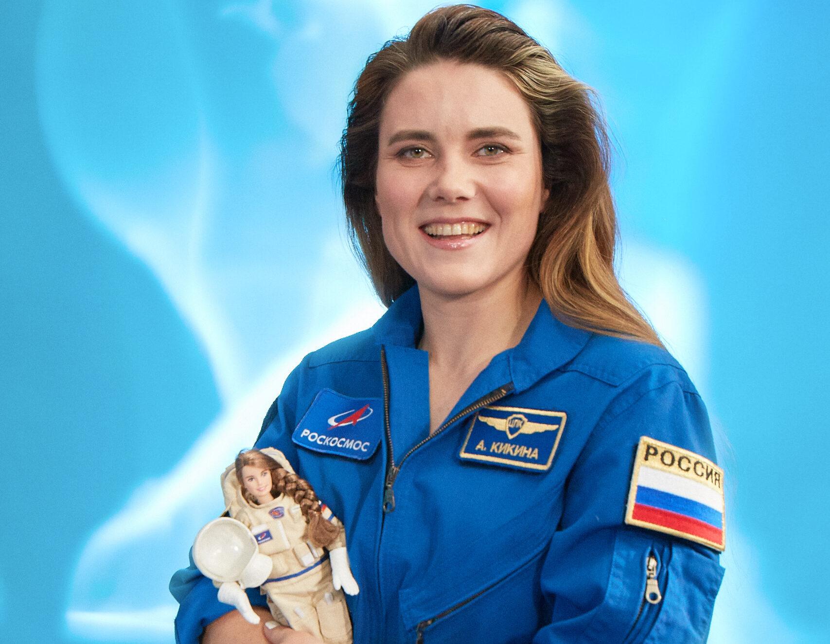 барби космонавт