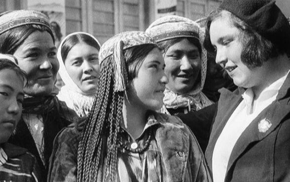 Права женщин в СССР, женотделы, паранджа в СССР, гендерное равенство в ссср